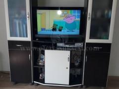 Shes komod per TV