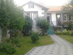 Shes dy shtepi 85m2+95m2 me 6.5 ari truall / Prishtine