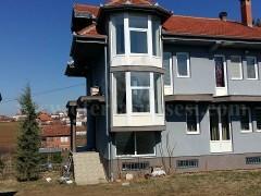 Shes shtepin dy katshe afersisht 240m2 me 41 ari truall / Prishtine