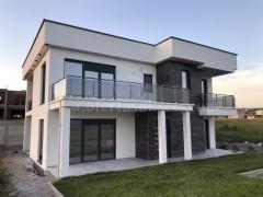 Shes shtepin 290m2 me 4.20 ari truall / Prishtine