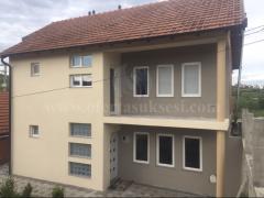 Shes shtepin 250m2 dy katshe me 2 ari truall / Prishtine