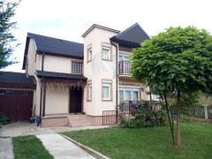 Shes shtepin dy katshe 267m2 / Prishtine