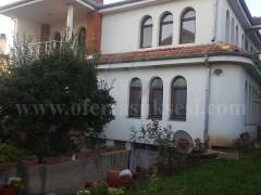 Shes ose Jap me qira shtepin 380m2 me 5 ari truall / Prishtine