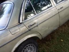 Shes Mercedes 300B,