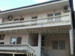 Shes shtepin 180m2 dy katshe / Prishtine
