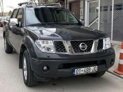 Shes Nissan Navara 2.5 dizel,
