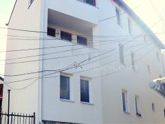 Shes shtepin 210m2 tri katshe / Prishtine